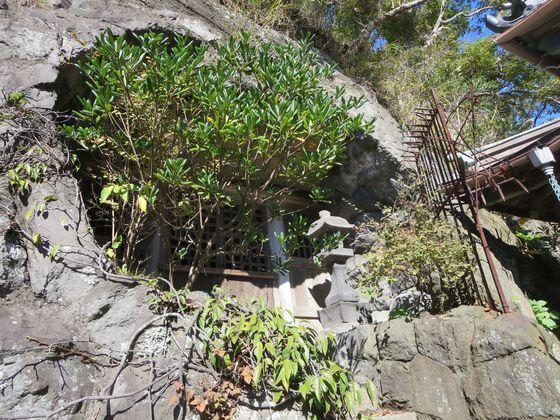 日蓮の岩窟