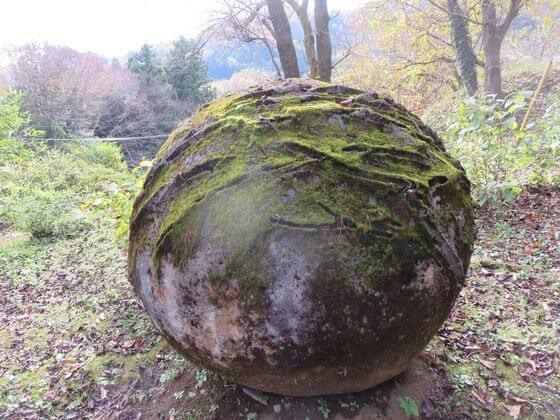 アート作品No.12 回帰する球体