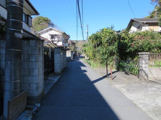 鎌倉宮 覚園寺 道