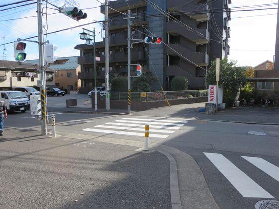 長津田小学校入口