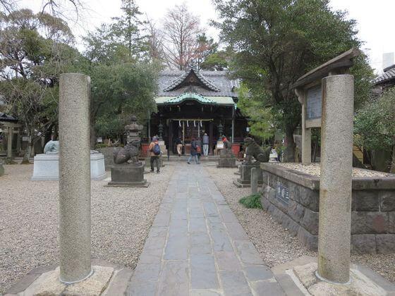 三囲神社 境内