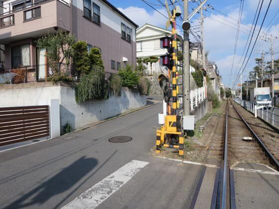 鵠沼駅 踏切