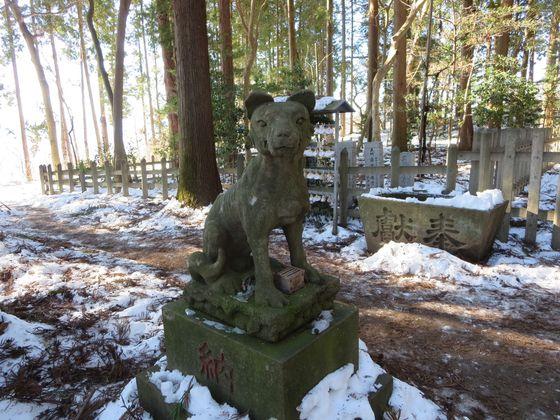 宝登山神社奥宮 狛犬 左