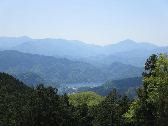 景信山 相模湖