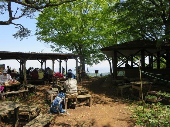 景信山 茶屋