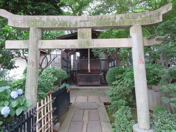 白山神社 八幡造の八幡神社