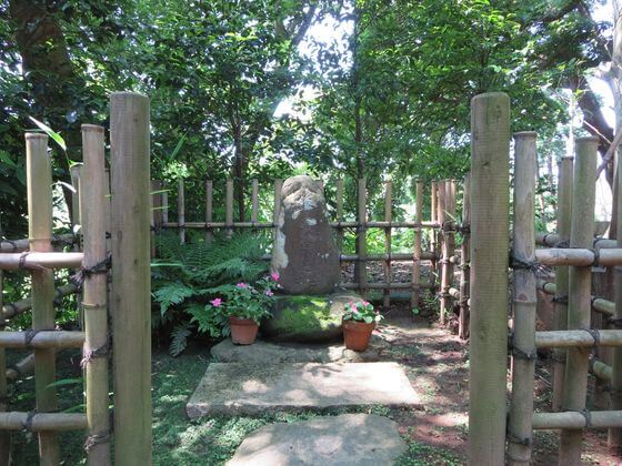 日野俊基終焉の地碑