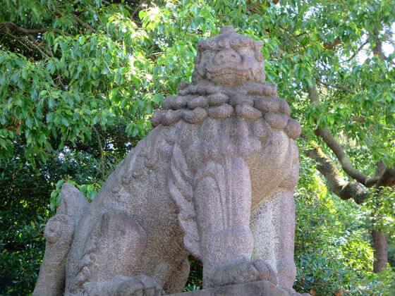 靖国神灶 狛犬 左