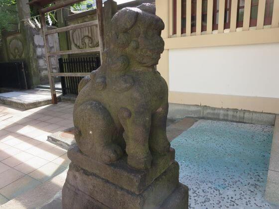 高輪神社 狛犬 左