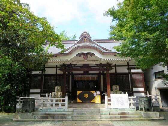 鳥越神社 社殿