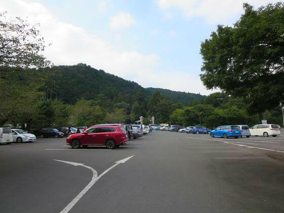 高麗神社 駐車場