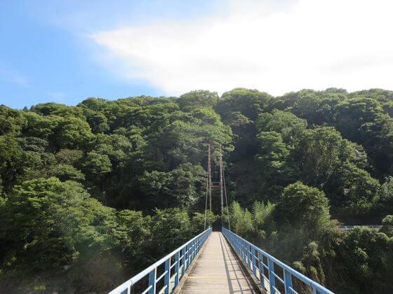 谷峨駅 吊橋