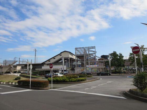 鶴巻温泉駅 ロータリー