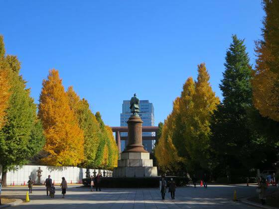 靖国神社 大村益次郎銅像 いちょう