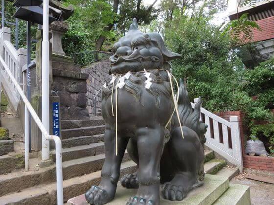 愛宕神社 狛犬 右
