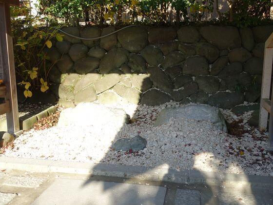 厄割り石 鎌倉宮