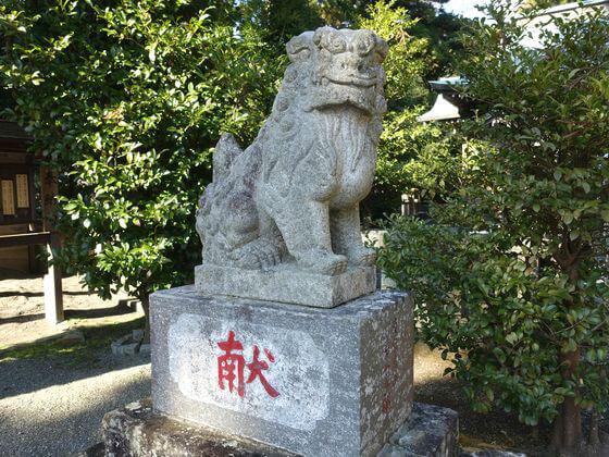 川勾神社 狛犬 左