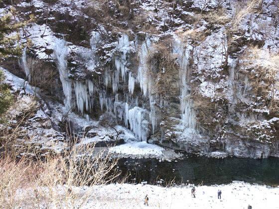 三十槌の氷柱 穴場
