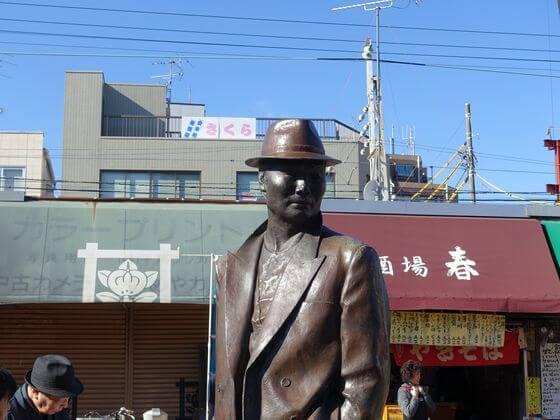 柴又駅 寅さん 銅像