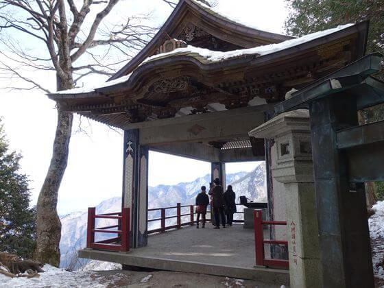 三峯神社 揺拝殿