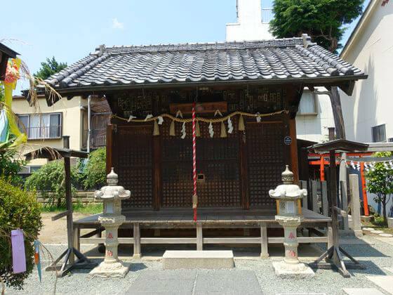 薬師神社 社殿