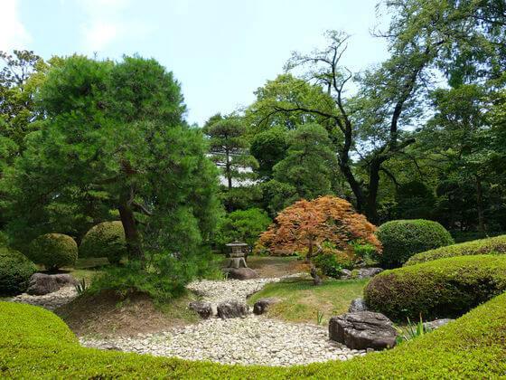 中院 庭園