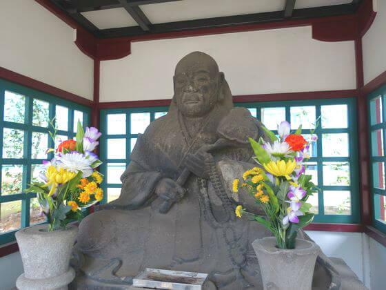 了翁禅師坐像