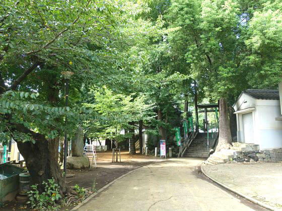 雪ヶ谷稲荷神社 参道
