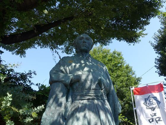 坂本竜馬像 立会川駅