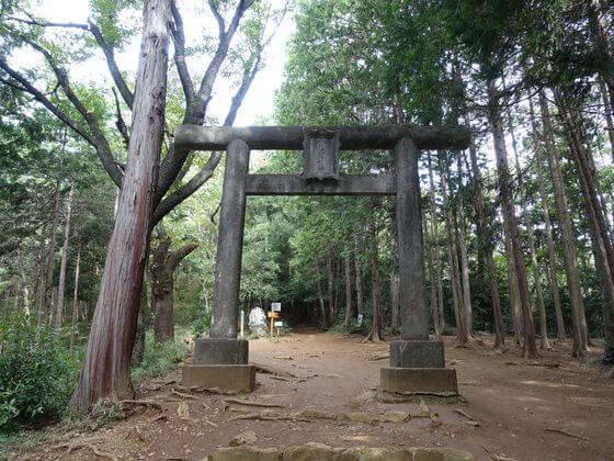日和田山 金比羅神社 一ノ鳥居