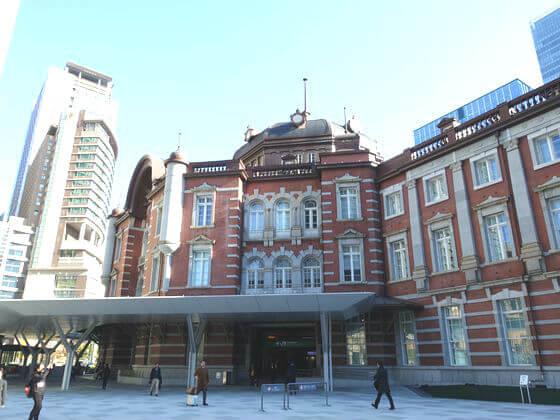 皇居乾通り 最寄り駅
