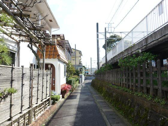 入生田駅 改札口