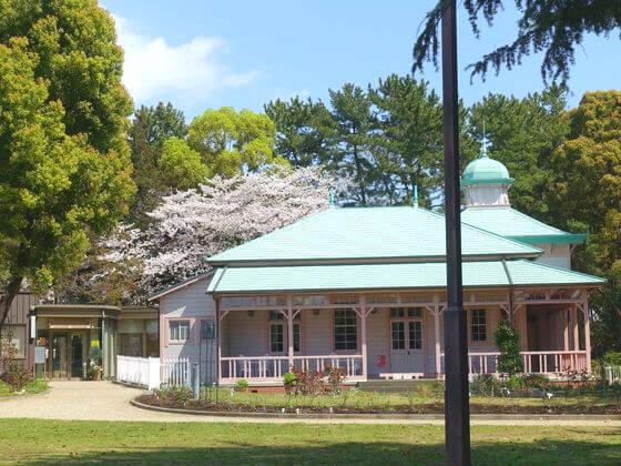 八幡山の洋館
