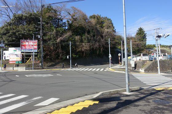 県道74号線 切通し交差点