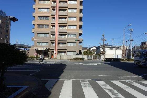 東海道 工業団地入口交差点