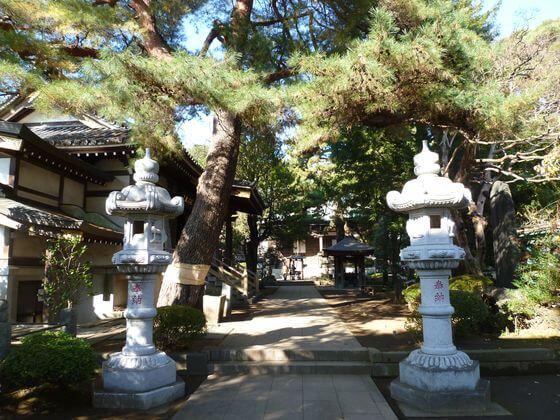 境内 三宝寺