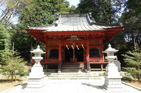 寄神社 社殿