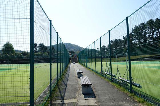 小室山公園 テニス場