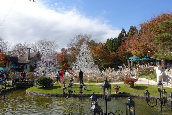 箱根ガラスの森美術館 紅葉