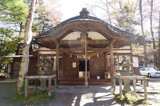 軽井沢諏訪神社 社殿
