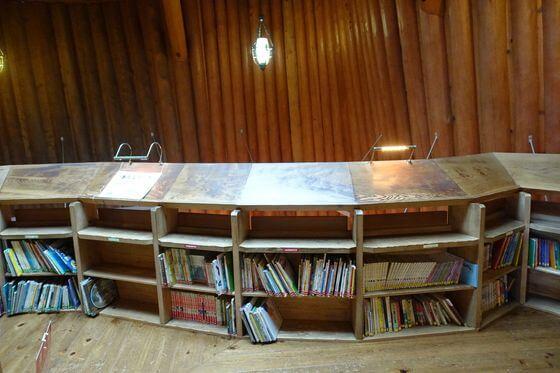トーベヤンソンあけぼの公園 図書館