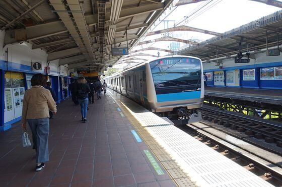 横浜公園 電車