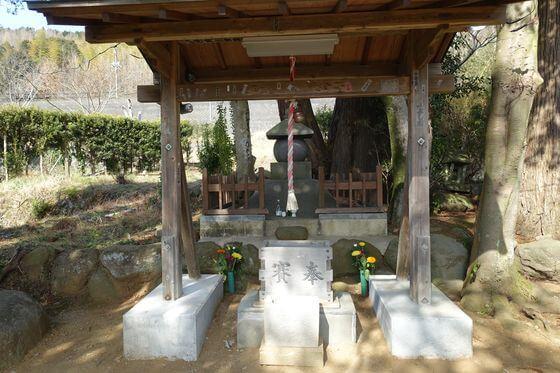 修善寺 源範頼の墓