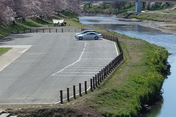 いろは親水公園 駐車場