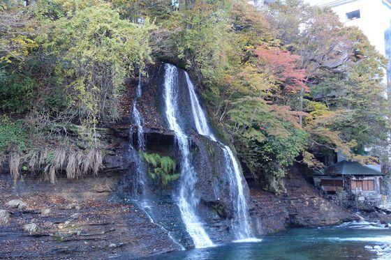 七弦の滝 紅葉