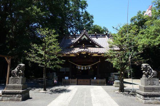 玉敷神社 境内