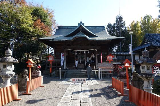 尾曳稲荷神社 社殿