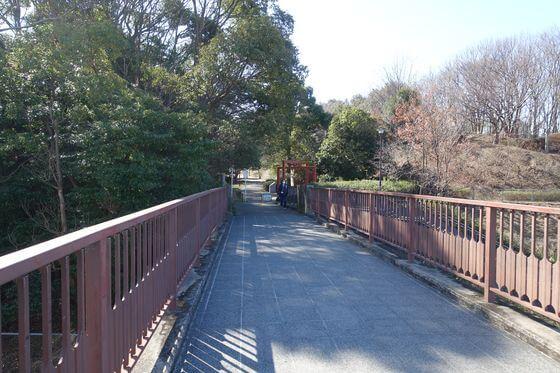 稲波歩道橋