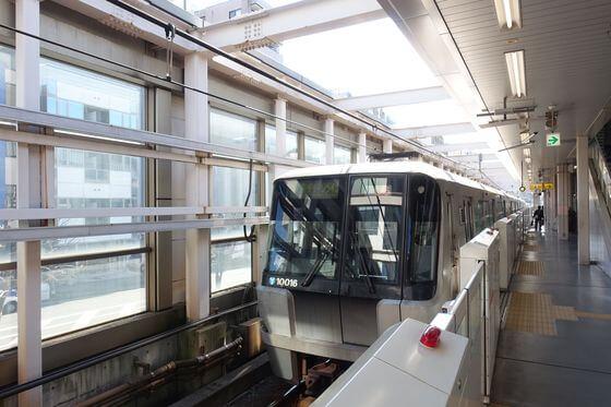 中川八幡山公園 電車