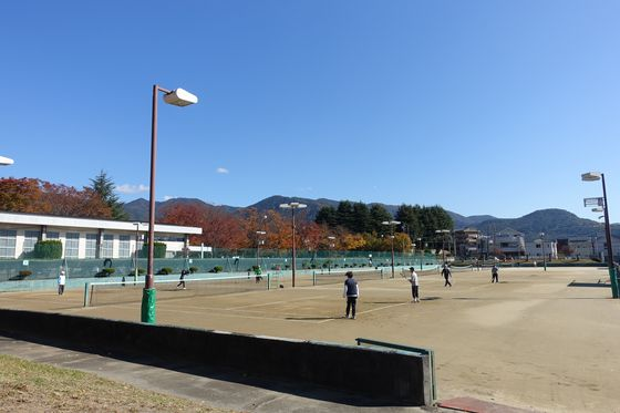 緑ヶ丘スポーツ公園テニスコート
